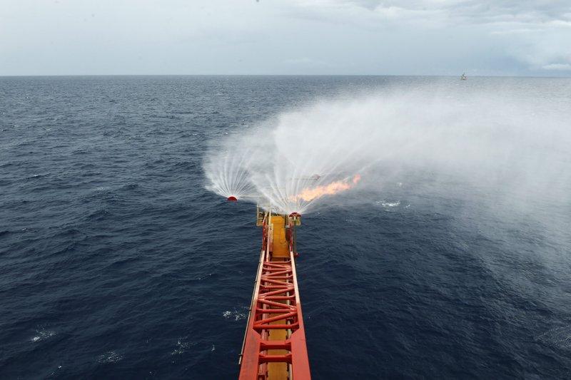 中國首次海域天然氣水合物試采成功(新華社)