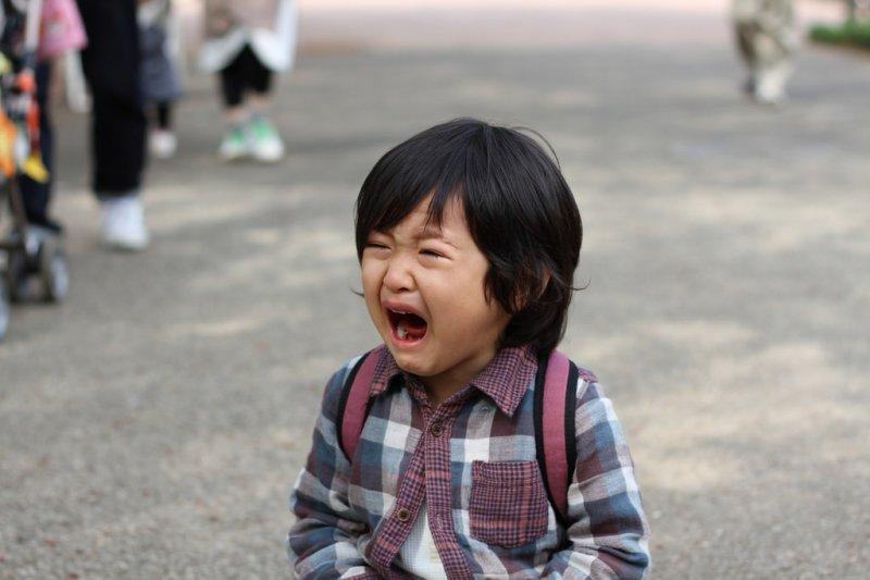 當孩子能夠接納自己的不足並勇敢面對時,他的自尊才會穩固。(示意圖非本人/PROToshimasa Ishibashi@flickr)