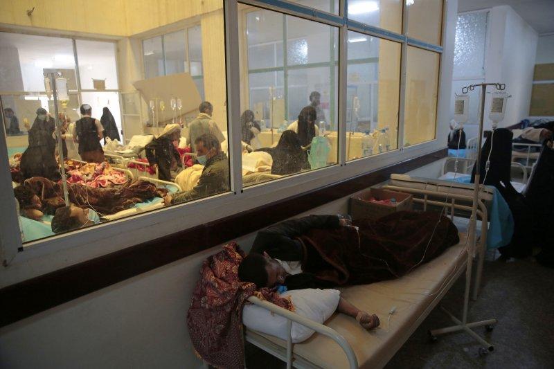內戰經年的葉門近來爆發霍亂疫情,國家境況越來越慘(美聯社)