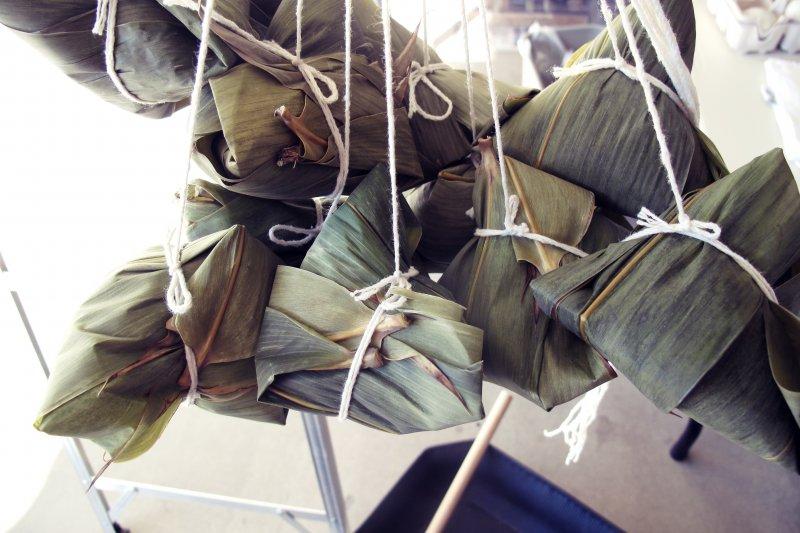 有人喜歡吃北部粽,有的人則偏愛南部粽,但不管哪一種熱量都超高。(圖/leesean@flickr)