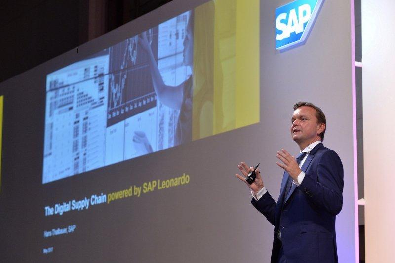作者認為,上週日德國資料庫軟體巨人SAP以以$8B天價併購用戶體驗新創Qualtrics,達到讓SAP能夠將龐大的營運資料和Qualtrics的使用者經驗資料加以結合的成效;且簡單計算下來,Qualtrics過去六年募資$400M,現在以$8B的金額嫁給SAP,資本效率將高達20倍。(資料照,SAP提供)