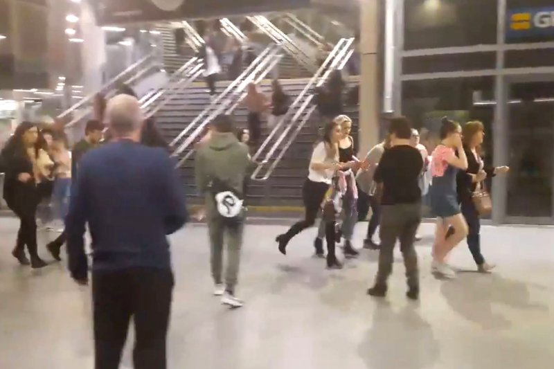 美國歌手亞莉安娜(Ariana Grande)22日在英國曼徹斯特的演唱會發生恐怖攻擊,造成慘重死傷(AP)