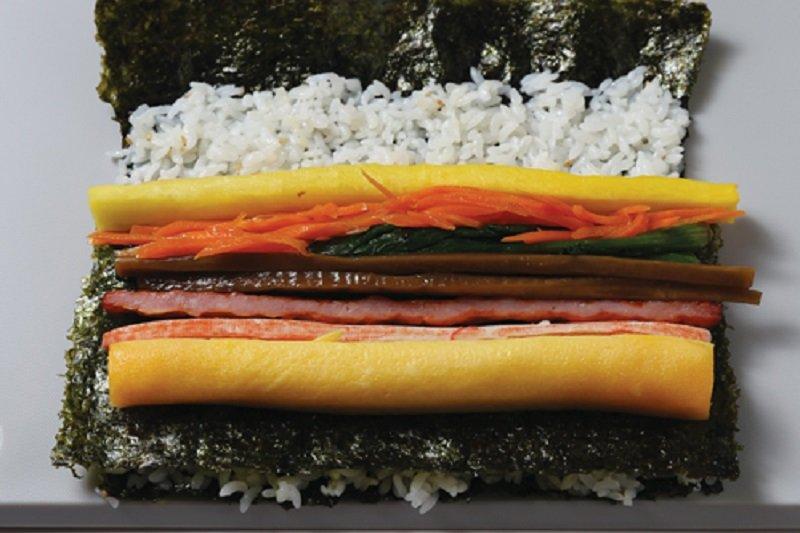 壽司要好吃,壽司飯的作法可不能馬虎!(圖/山岳出版提供)