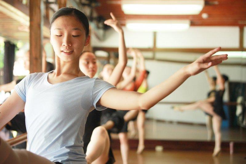 讓所有愛跳舞的人不必「出走」,是這群人創辦臺灣芭蕾舞團的初衷。(圖/Vstory提供)