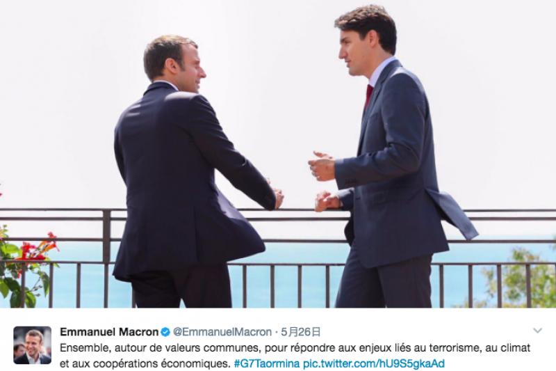 七大工業國集團(G7)峰會在風景怡人的義大利西西里島登場,法國總統馬克宏和加拿大總理杜魯道漫步花徑,以蔚藍的地中海為背景交談的畫面,引發網友熱議。(圖取自Emmanuel Macron推特twitter.com)
