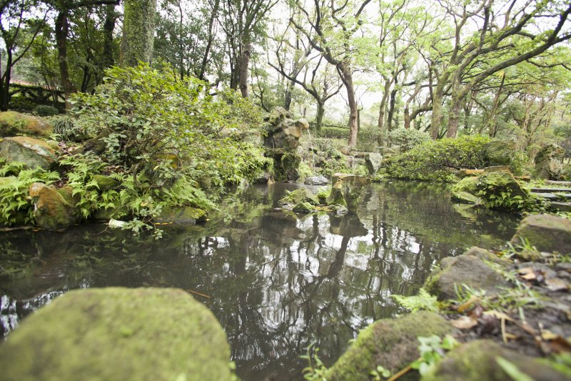 前山公園,心字池景石採用日式手法砌築(北市府)
