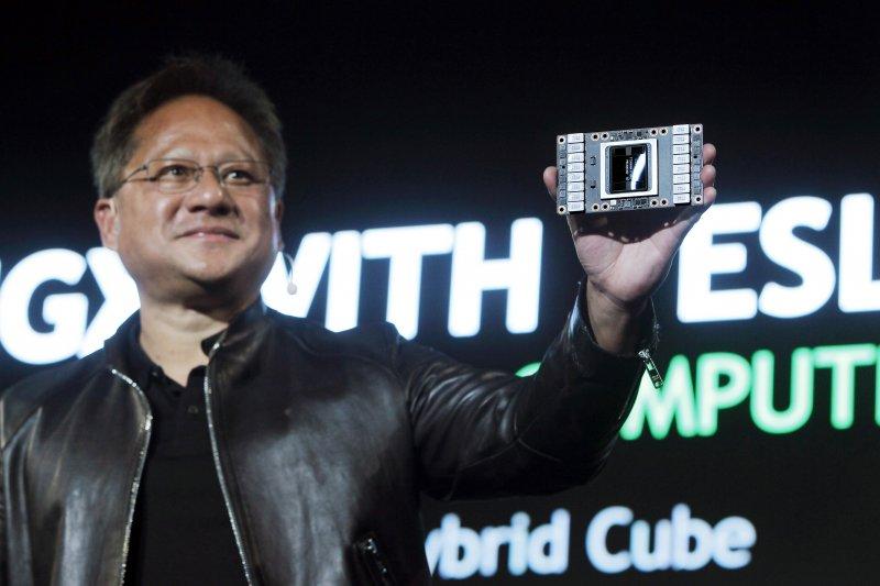 NVIDIA執行長黃仁勳(見圖)認為,這次疫情固然不幸,但加速了我們認識未來的樣貌,而它將是一個虛實混和的新世界。(資料照,美聯社)