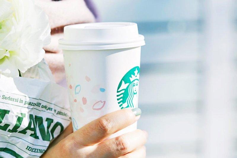 生活中有許多讓人誤以為能被回收再利用,事實上卻無法被歸類、只能成為一般垃圾的物品(圖/スターバックス コーヒー ジャパン Starbucks@facebook)