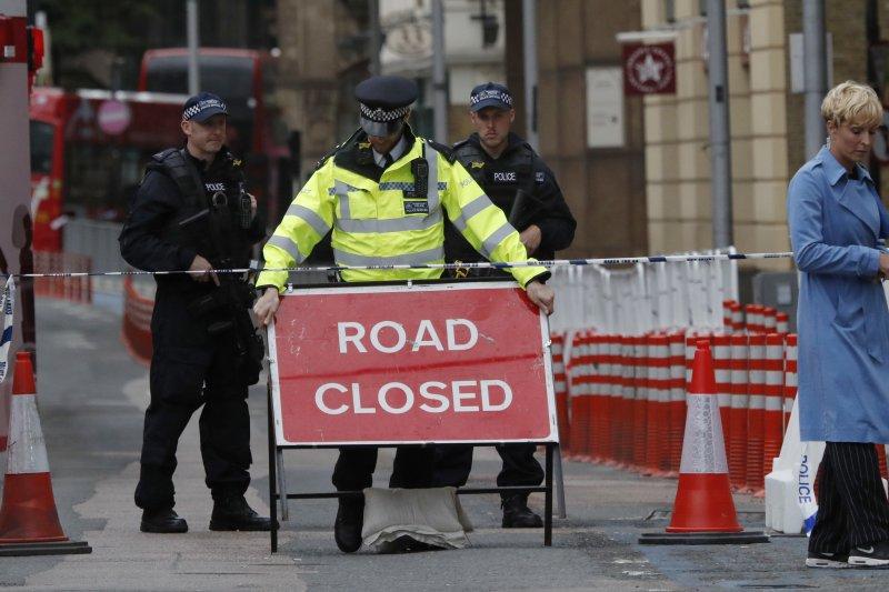 倫敦橋恐攻讓英國政府封閉多條道路。(美聯社)