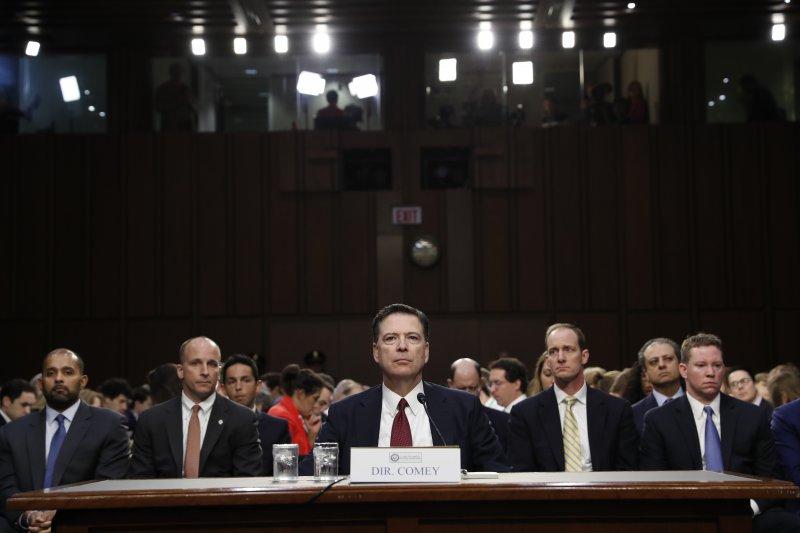 2017年6月8日,聯邦調查局(FBI)前局長柯密(James Comey)出席聯邦參議院聽證會。(AP)