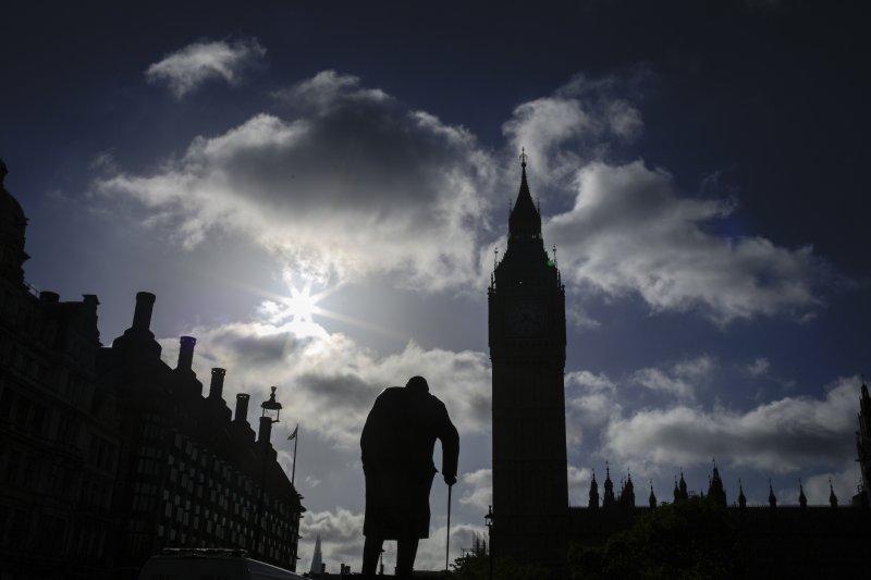 英國陷入「懸峙國會」窘境(AP)