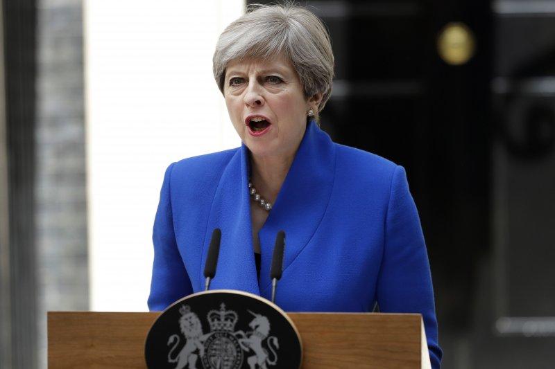 英國首相梅伊4月宣布提前大選,如今保守黨未能拿下絕對多數,將使英國脫歐進程更添變數。(美聯社)