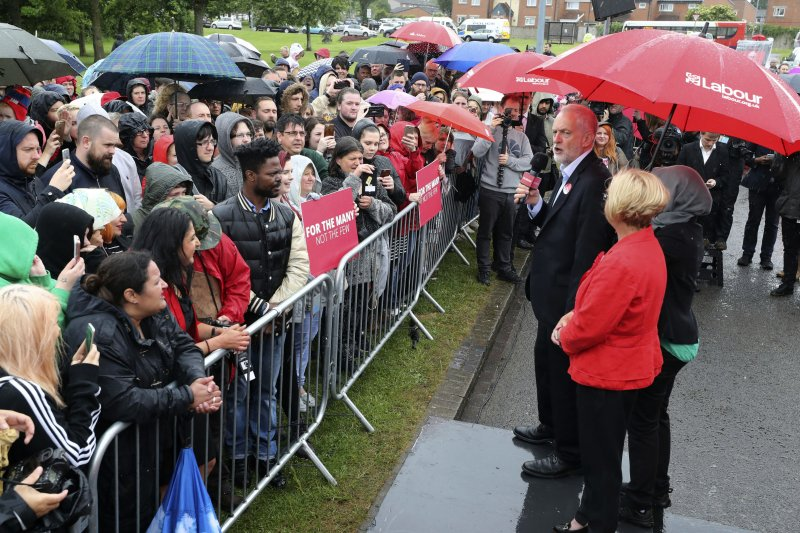 柯賓的左派主張吸引許多年輕選民(AP)