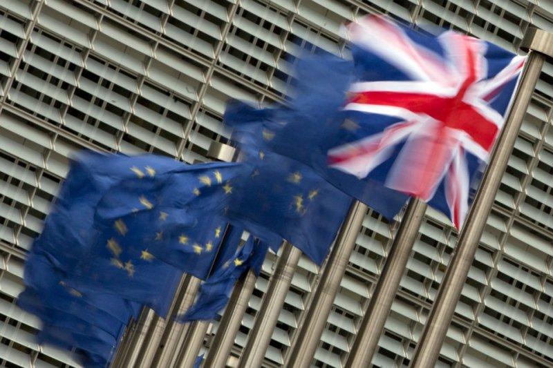 英國選舉於8日落幕,各黨席次皆未過半,陷入「懸峙國會」的窘境,拖累英國脫歐進程。(AP)