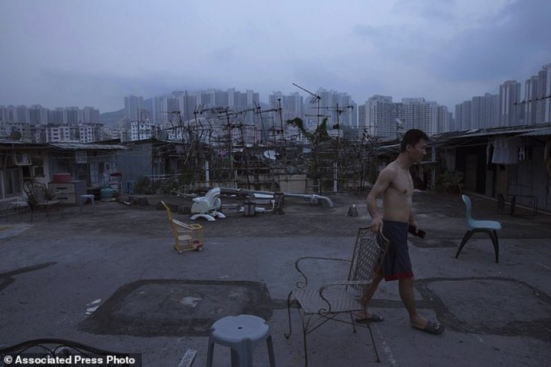 香港居民的貧富差距極大。(美聯社)