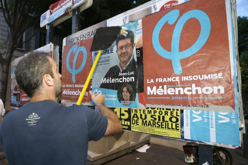 法國國會大選首輪落幕,左右傳統大黨全面潰敗。(美聯社)