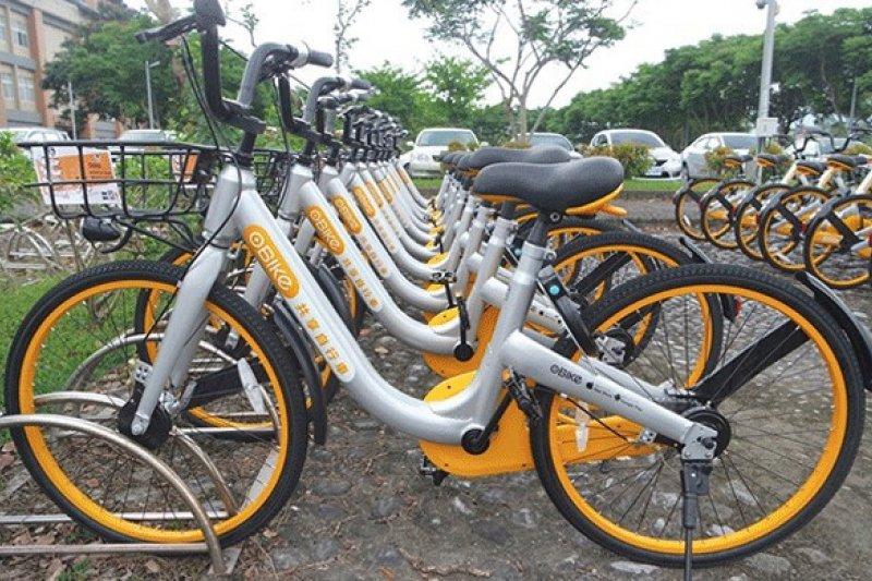 台北市自明年1月1日起,針對自行車違停拖吊將收100元的移置費及每12小時25元的保管費。(資料照,新竹市政府提供)