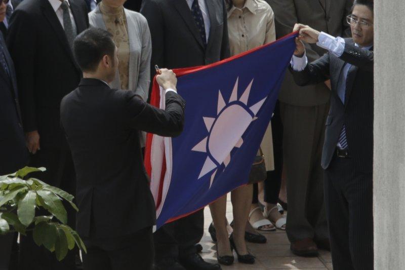 作者表示,台巴斷交給台灣的啟示,不應只局限於對中國的抵制,更應深思「如果連全球霸權美國,都不得不讓中國進入自家後院」,台灣應如何務實面對中國,才能適應越來越受中國勢力籠罩的亞洲?美國面對中國,都有不得不適應中國崛起的策略調整,小國台灣難道不需要嗎? (資料照 AP)