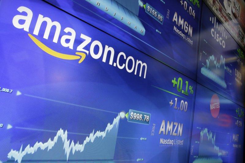 作者指出,未來電子商務(EC)不再是專有產業,而是歸屬在零售、服務產業通路的其中一環。(資料照,美聯社)