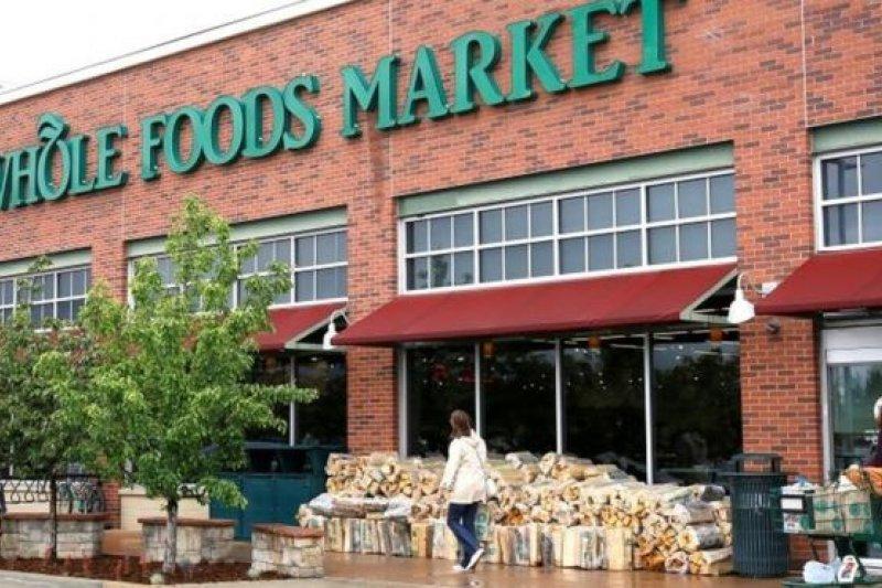 美國「全食」生鮮超市主打綠色食品,在美國屬高檔連鎖超市(BBC中文網)