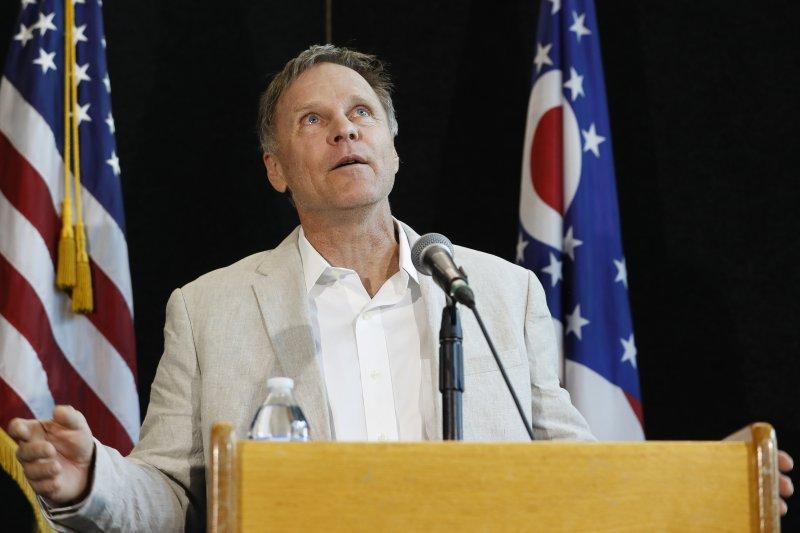 在北韓被囚、昏迷的美國大學生瓦姆比爾的父親弗雷德(AP)