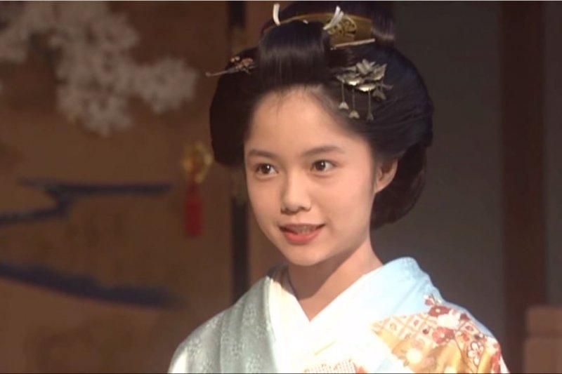 日劇《篤姫》中,飾演篤姫的宮崎葵,詮釋了篤姫燦爛偉大的一生。(翻攝自Youtube)