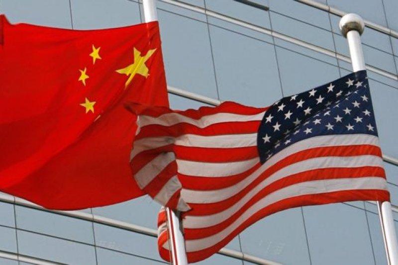美國一名前外交官因涉嫌向中國情報部門提供絶密文件被美國反間諜機構逮捕並被起訴。(BBC中文網)
