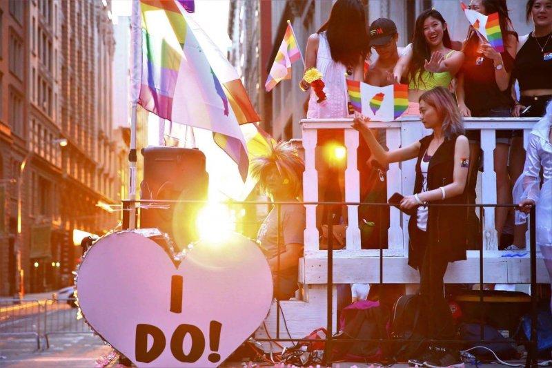 紐約同志驕傲遊行:正在朝同婚合法化邁進的台灣也不缺席( Shun-Ping Liu 攝)
