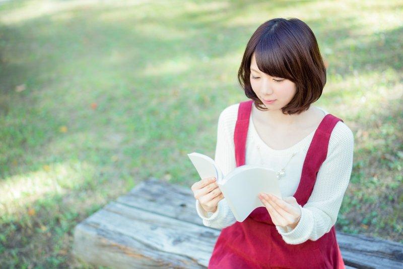 閱讀,有助於工作與每日的生活。(圖/すしぱく@pakutaso)