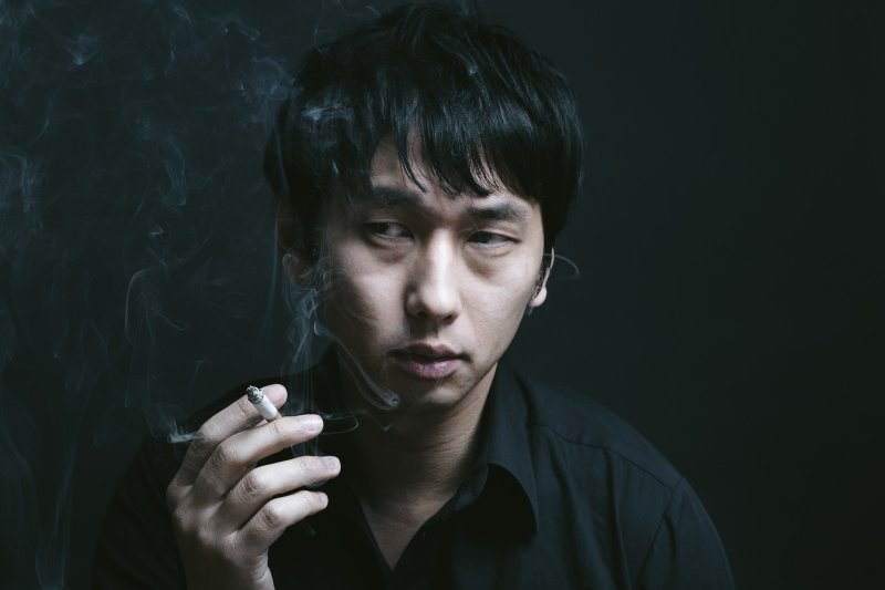 不抽菸者罹患肺癌比例已接近半數,其原因有可能是大環境的空氣污染。(圖/すしぱく@pakutaso)