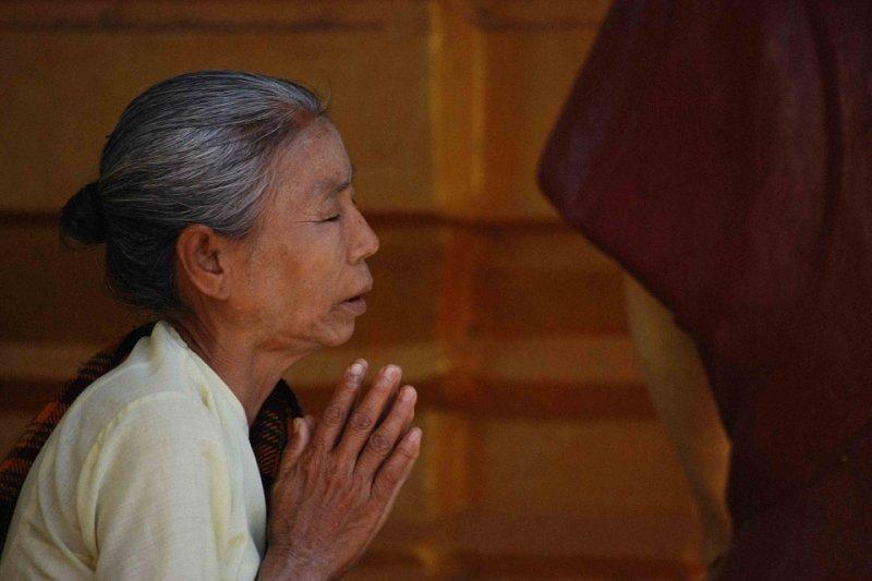 為了「祈福」,中國老婦竟向飛機發動機丟擲錢幣,導致飛機延宕...(圖片來源:Pixabay)