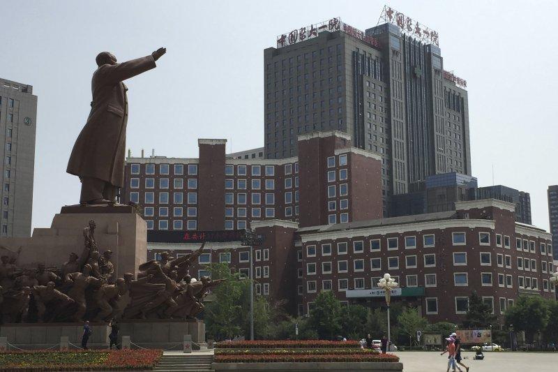 長期遭囚禁的中國民主人權運動領袖、諾貝爾和平獎得主劉曉波5月23日被確診為肝癌晚期。目前在瀋陽中國醫科大學第一附屬醫院治療。(AP)