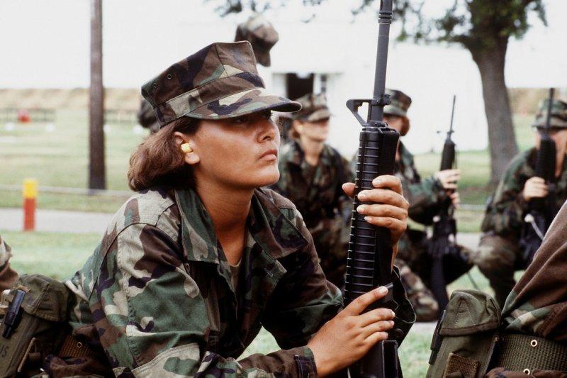 一次世界大戰後備女子迷彩軍團的相片被發現,反映女性在戰爭時期的另類貢獻。(本圖為示意圖,非新聞所指之歷史照片) (圖/Expert Infantry@flickr)