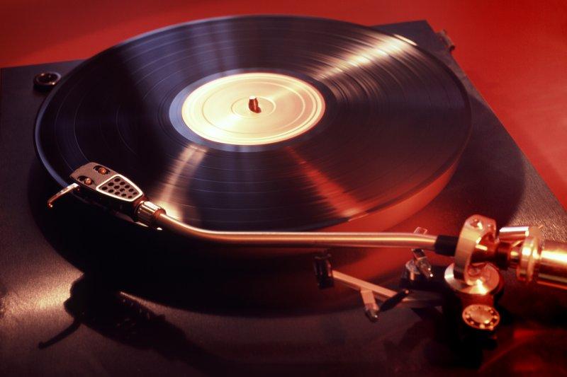 黑膠唱片強勢回歸,銷量連續十年增長。(圖/wikimedia commons)