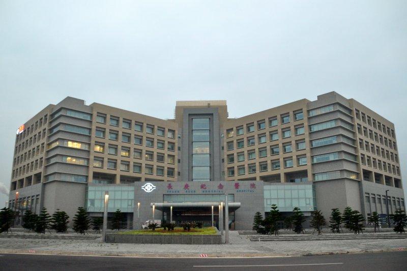 長庚醫院急診室事件,點出長期的醫療問題,圖為雲林長庚醫院(Mk2010@Wikimedia / CC BY-SA 3.0)