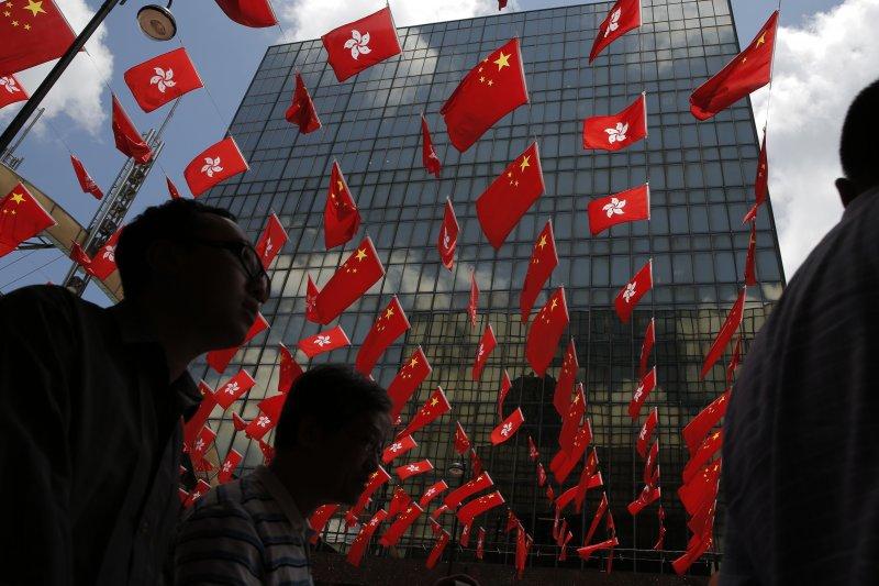 香港回歸中國20年,許多中國人移居香港(AP)