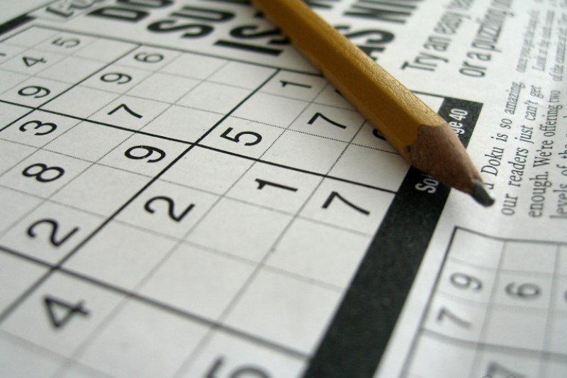研究指出,玩數獨、填字遊戲等解謎活動,與老年大腦退化無關。(Eduardo Mueses @ flickr)