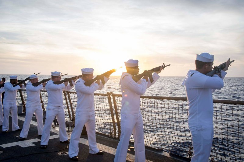 11月16日,美國闖南海的拉森號姊妹艦「史塔森號」(Stethem)抵達上海,停泊於北面吳淞軍港,進行5天訪問。(資料照,USS Stethem Facebook)