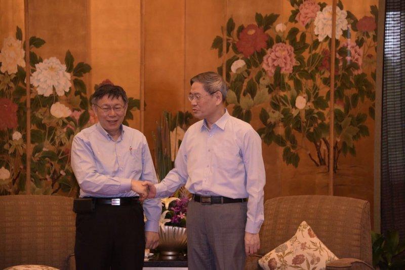 台北市長柯文哲於3日從上海返台前,與國台辦主任張志軍閉門會晤。(台北市政府提供)