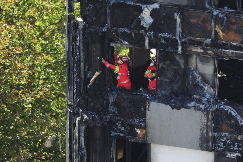 倫敦格倫費爾大樓(Grenfell Tower)大火奪走79條性命。(AP)