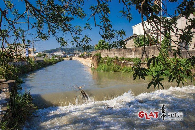 葫蘆墩圳引大甲溪水,澆沃大台中地區的良田,也是豐原的母親之河。(圖/台中好生活提供)