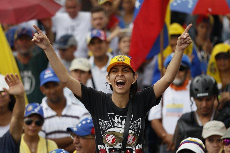 委內瑞拉反政府示威。(美聯社)