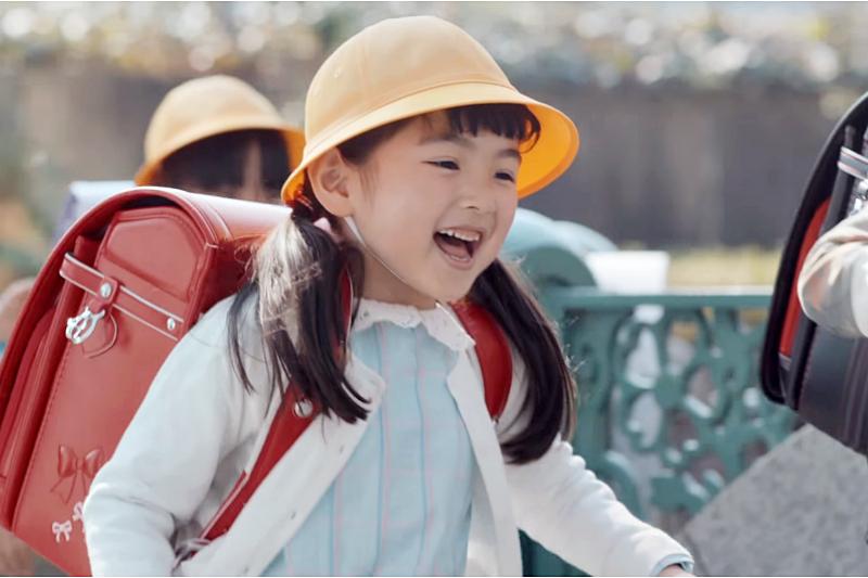 暑假來了,在家也能培育孩子應該有獨立及負責能力。(示意圖非本人/翻攝自youtube)