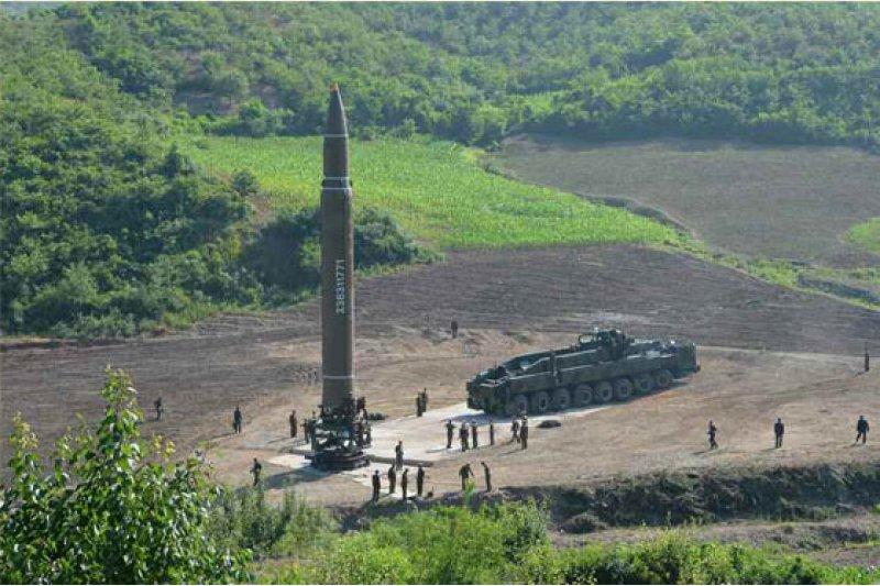 北韓首度成功試射「火星-14型」洲際彈道飛彈。(勞動新聞)