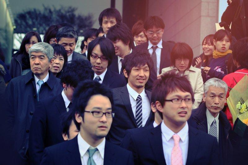 去日本工作或進日商公司,是許多台灣人夢寐以求的職涯規劃,但事實上日本的國際競爭力正在退步中。(Azlan DuPree@flickr)