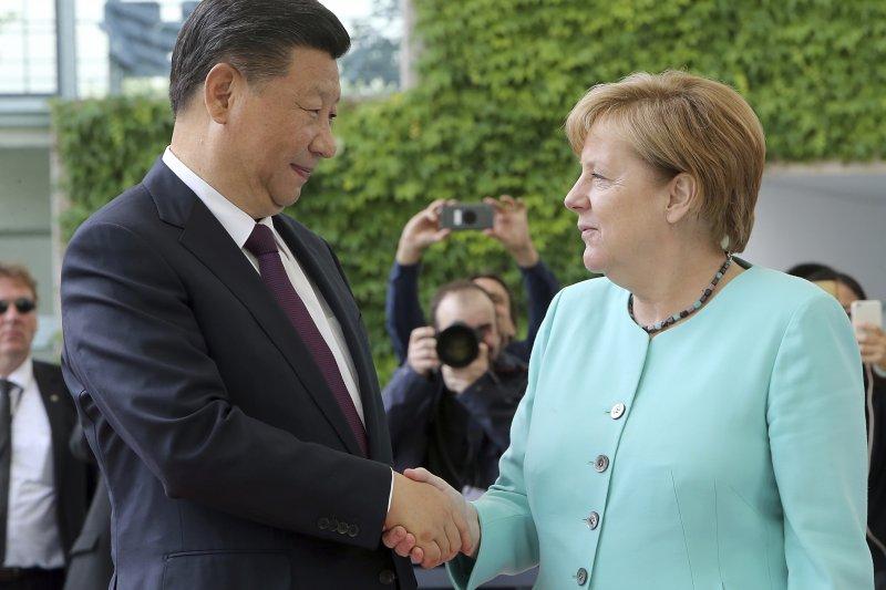 2017年7月7日,中國國家主席習近平訪問德國,會晤梅克爾總理,參加20國集團(G20)漢堡峰會(AP)