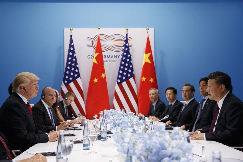 美國總統川普與中國國家主席習近平討論「共同對付北韓」的方法(AP)