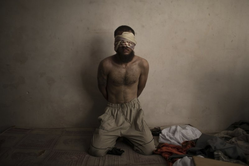 伊拉克政府軍收復「伊斯蘭國」在該國最重要的據點摩蘇爾(Mosul),這是一名伊斯蘭國戰俘(AP)
