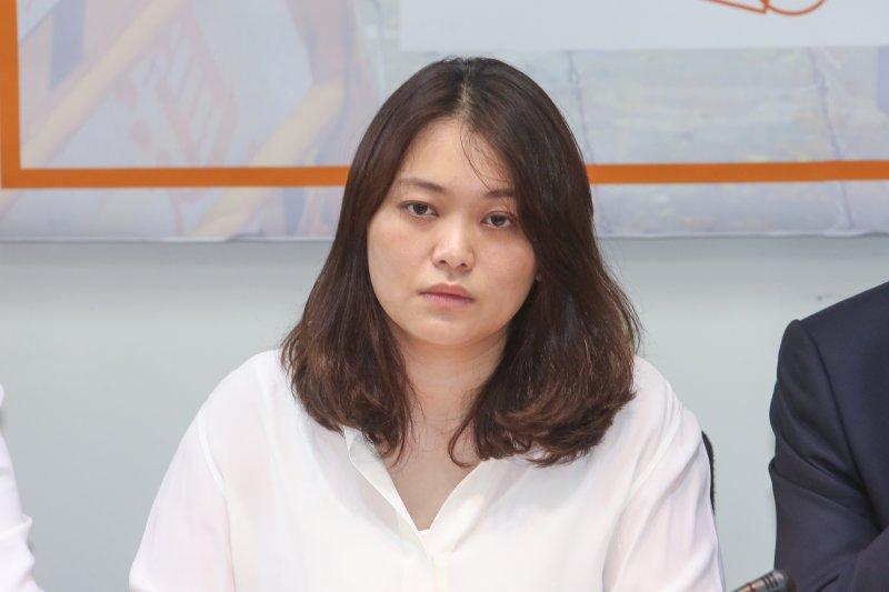 躺著也中槍!李艷秋遭「陳怡潔」指「收郭台銘錢」 她嘆:台灣為何政治變得如此暴力-風傳媒