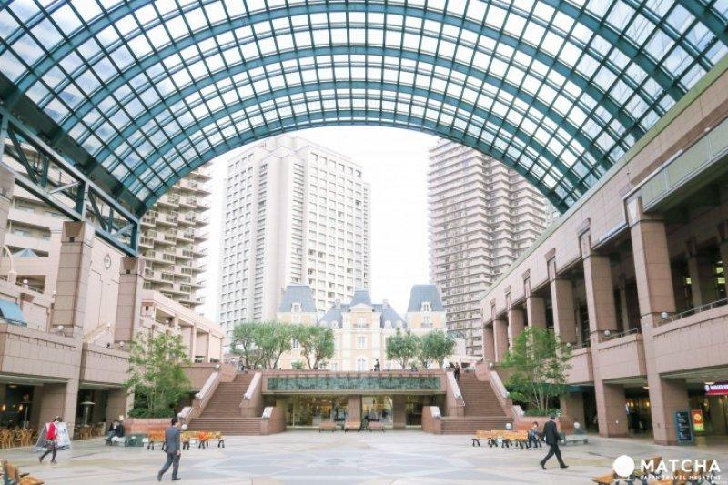 與JR「惠比壽車站」相連的「惠比壽花園廣場」,腹地內盡是歐洲街道氛圍。(圖/MATCHA提供)
